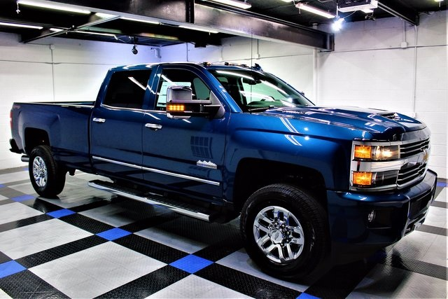new 2017 chevrolet silverado 3500hd high country 4d crew cab in south charleston 7c43909 joe. Black Bedroom Furniture Sets. Home Design Ideas